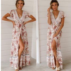 Dresses & Skirts - Floral bohemian v neck split maxi dress